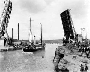 Seattle's Fremont Bridge in action during the opening of the Lake Washington Ship Canal on 4 July 1917.