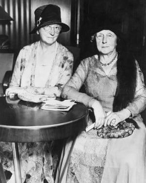 Cannon, right, and Caroline Furness in 1930