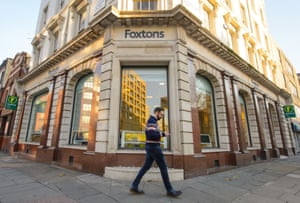 A branch of Foxtons in London.