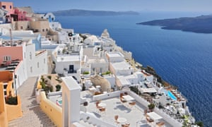 The Greeks have long been aware of the benefits of painting their roofs white to achieve lower temperatures and energy efficiency.