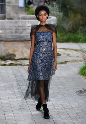 A model in an organza-adorned dress.