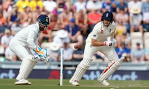 Joe Root batted 'fantastically' after dropping down to No 4 to accommodate Moeen Ali at No 3, according to his vice-captain Jos Buttler.