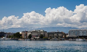 Hotels and offices along the bank of Lake Geneva.