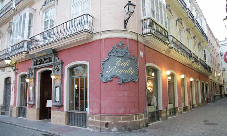 Restaurant Cafe Royalty exterior