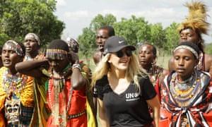 Cooking: Ellie Goulding in the Maasai Mara.