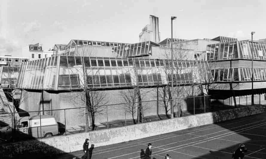 Pimlico Comprehensive school was opened in 1970.