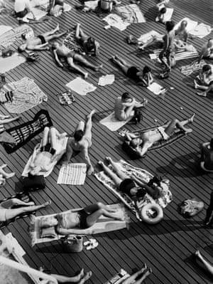 Sunbathing at the Deligny pool in Paris, 1950