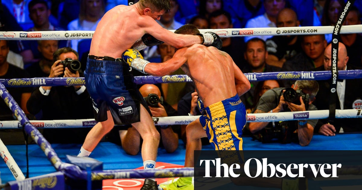 Vasiliy Lomachenko outpoints Luke Campbell to add WBC lightweight title