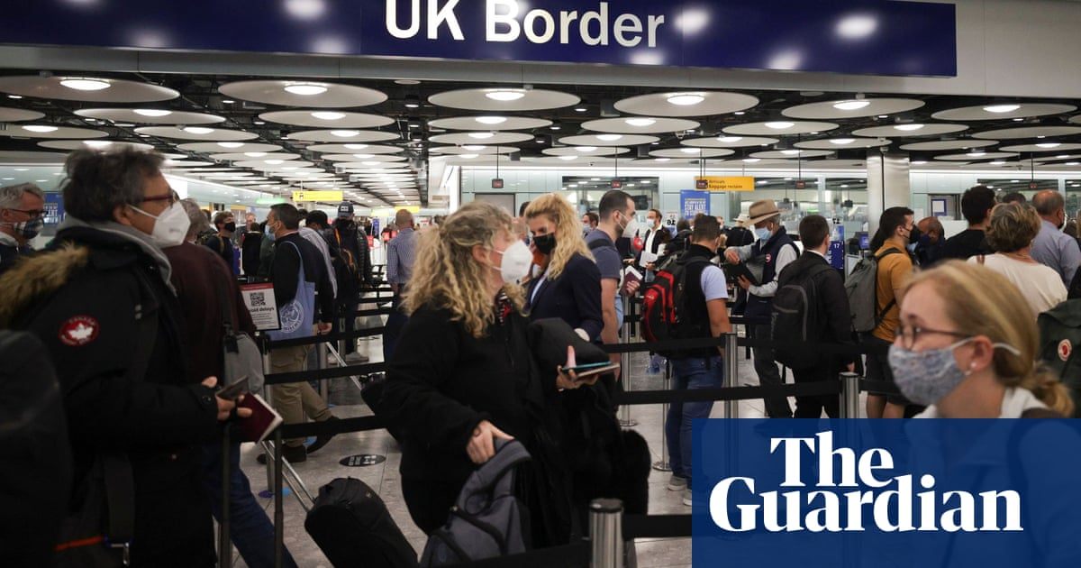 Border officials told not to make Covid checks on green and amber list arrivals