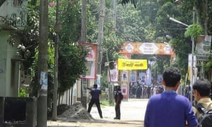 Police operations during the attack in Sholakia