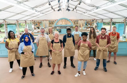 From left to right: Hermine, Sura, Rowan, Marc, Laura, Linda, Mak, Dave, Loriea, Lottie, Mark and Peter, contestants in The Great British Bake Off.