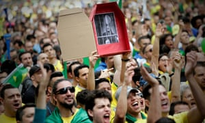 Supporters of the far-right candidate Jair Bolsonaro flock to a rally in São Paulo.