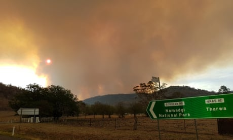 Canberra fires: capital of Australia faces out-of-control bushfire – as it happened