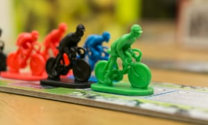 Flamme Rouge sees players battle for cycling glory in a gruelling road race.
