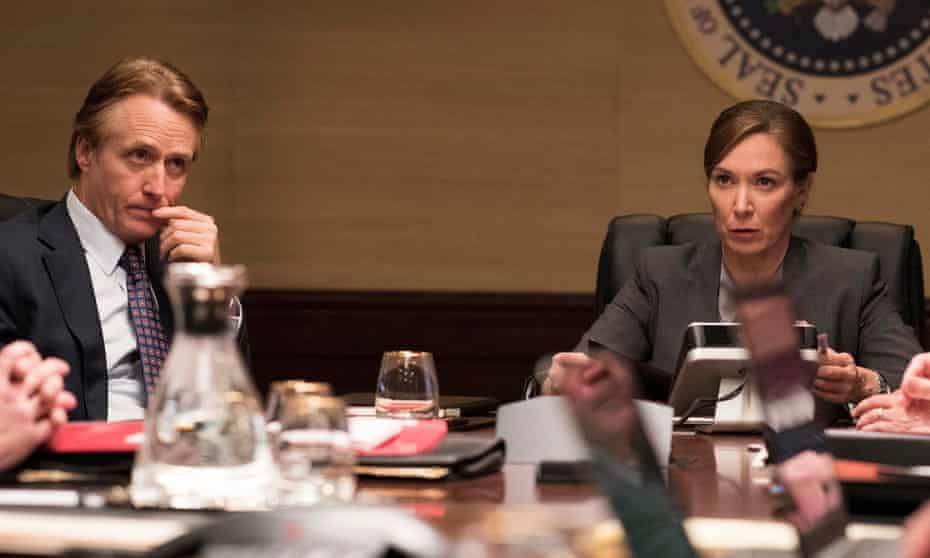 Linus Roache as David Wellington and Elizabeth Marvel as President Keane in Homeland