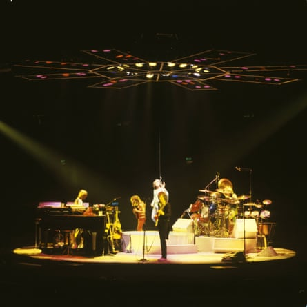 Yes playing in the round at Wembley Arena, 1978.
