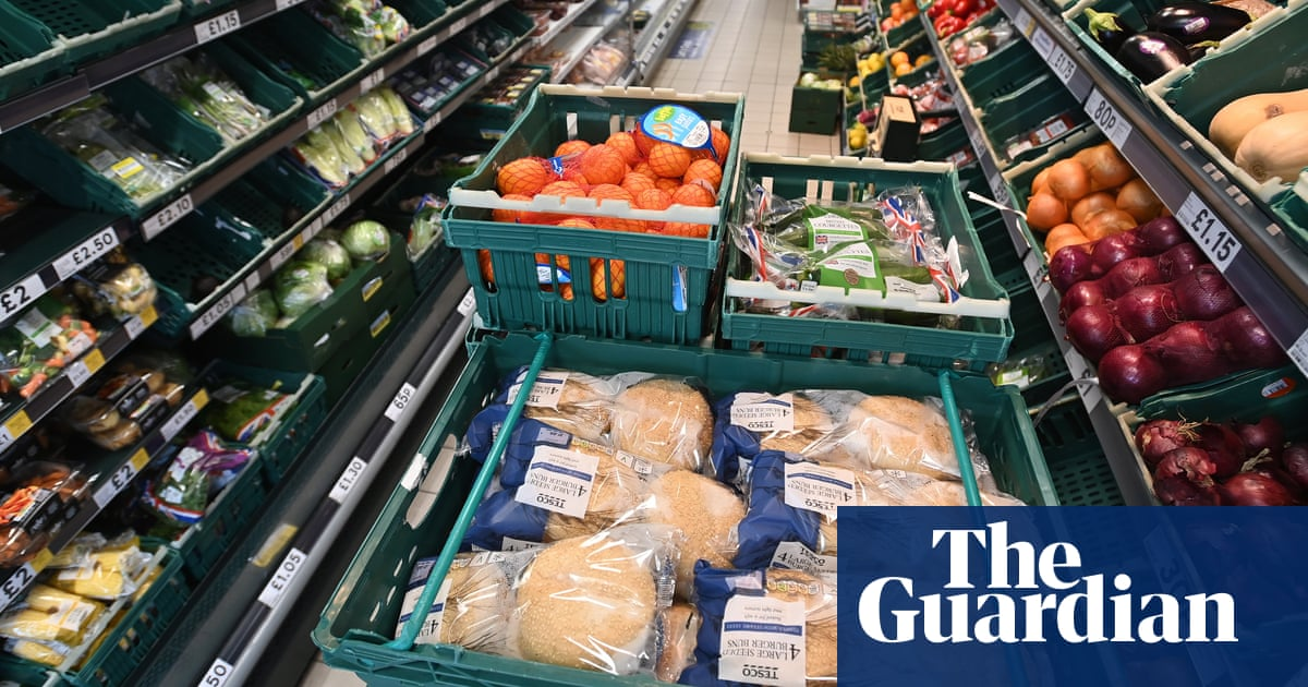 Retail sales in Great Britain fall amid supply chain disruption