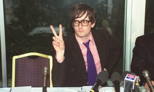 'Palm side out' … Jarvis Cocker makes the peace sign in 1996.