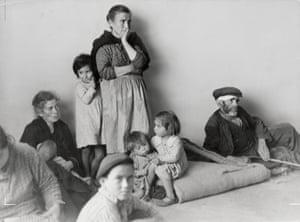 Refugees from Málaga in Almería, Spain, February 1937