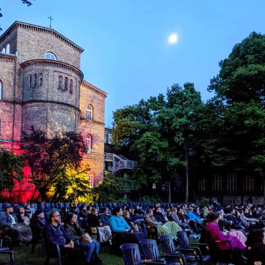 Open air cinema at Künstlerhaus Bethanien