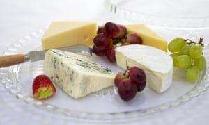 The Heart Foundation's healthy eating advice has given a tick to full-fat dairy products, finding they ultimately have a neutral effect on a person's risk of heart disease or stroke.