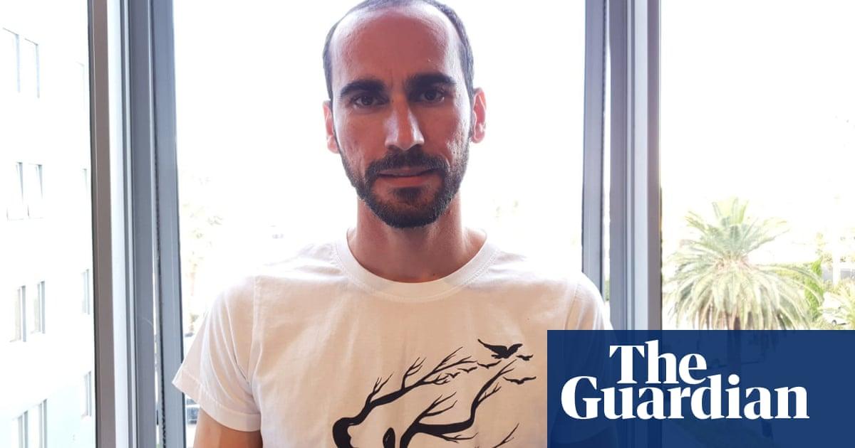Kurdish refugee sues Australian government for alleged unlawful imprisonment in Melbourne hotels