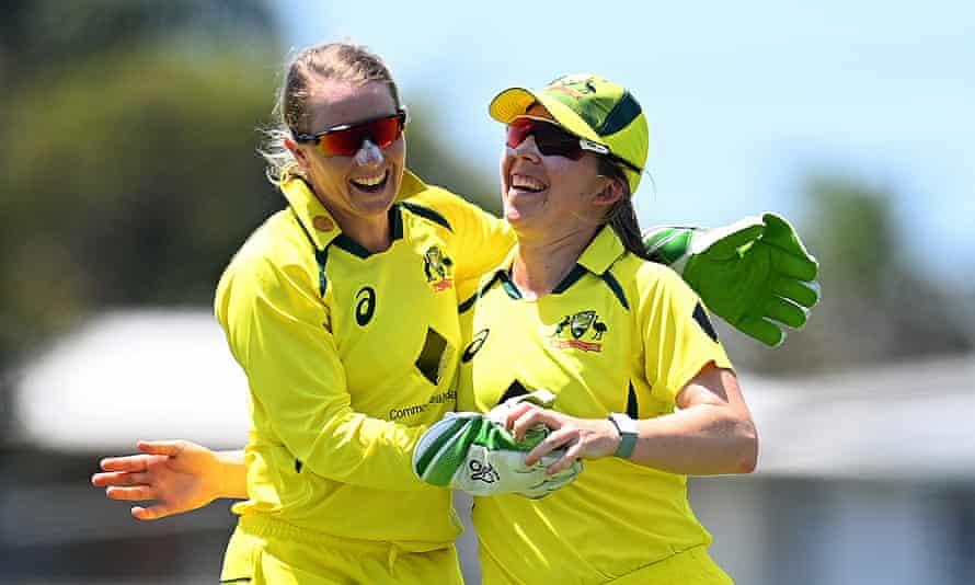 Southern Stars players celebrate a wicket, Australia v India