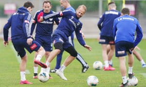 Melbourne Victory players train
