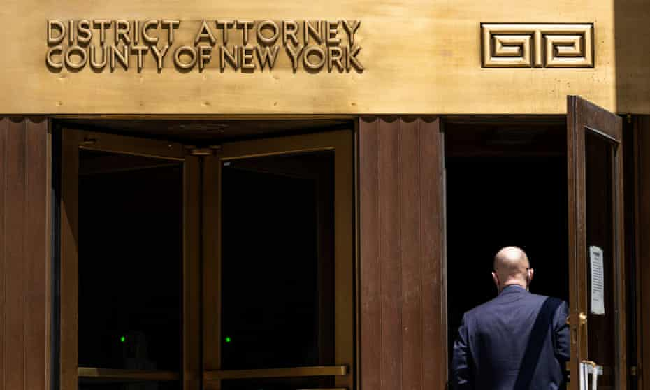 The Manhattan district attorney's office has reportedly told lawyers for Donald Trump that criminal charges against the Trump Organization are possible.