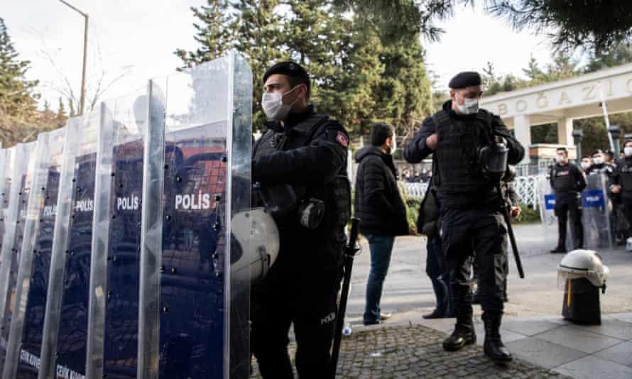 Turkish riot police behind barricades in front of Boğaziçi University.