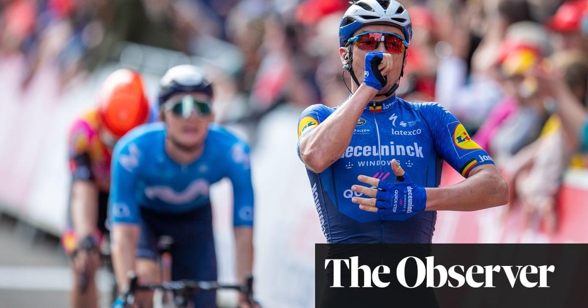 Lampaert's stage win sets up final-day battle between Hayter and Van Aert