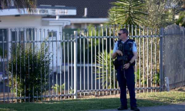 Police guard a New Zealand mosque after the Christchurch mosque attacks in March 2019
