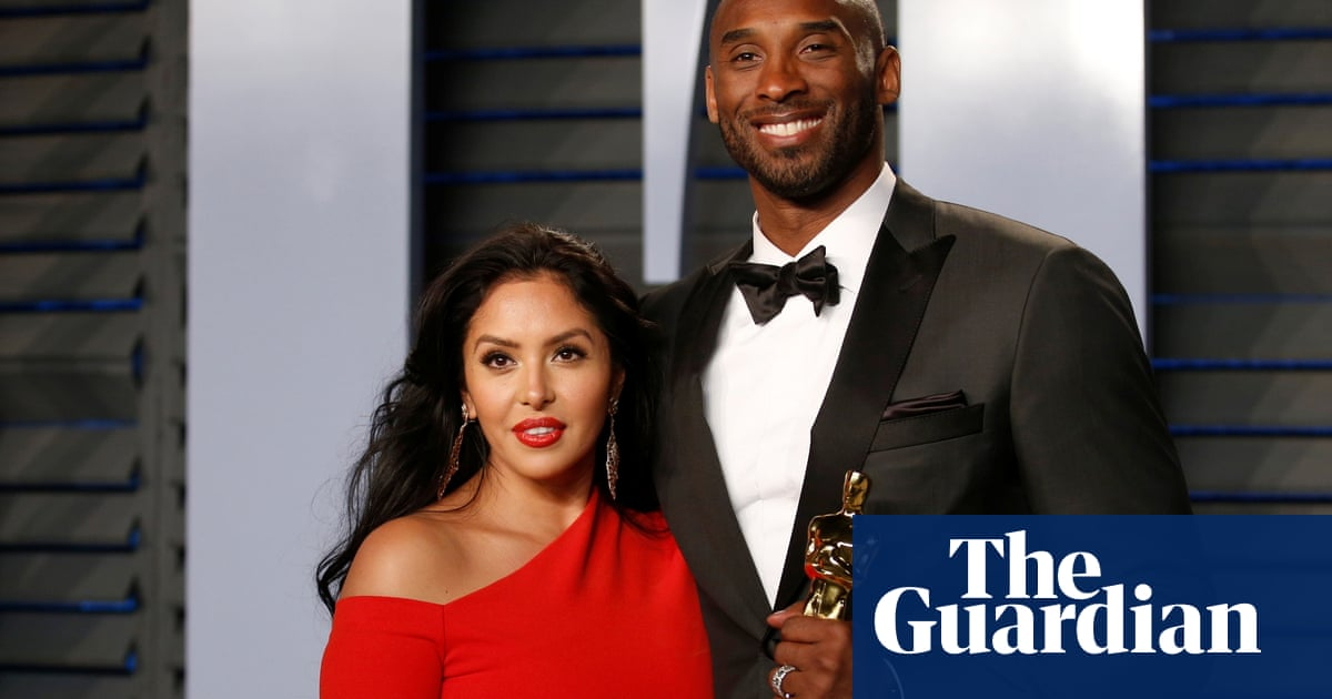 Kobe Bryant: deputies allegedly shared graphic photos from site of fatal crash