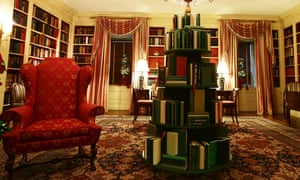 Speaks volumes … the White House library Christmas book tree.