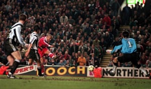 Collymore fires home Liverpool's late winning goal.