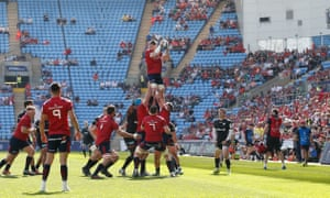 Peter O'Mahony wins a lineout ball for Munster on the way to Champions Cup semi-final defeat by Saracens at a sparsely attended Ricoh Arena.
