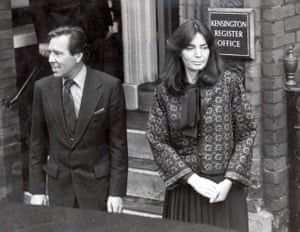 Snowdon marries Lucy Lindsay-Hogg at Kensington register office in 1978