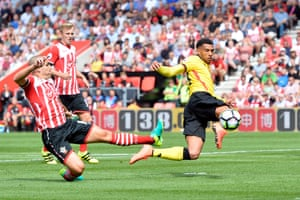 Watford's Etienne Capoue scores at St Mary's.