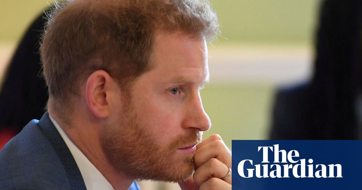 Prince Harry agrees publishing deal to write his memoirs