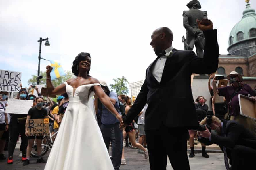 Kerry Anne and Michael Gordon celebrated their wedding during the demonstrations in Philadelphia.