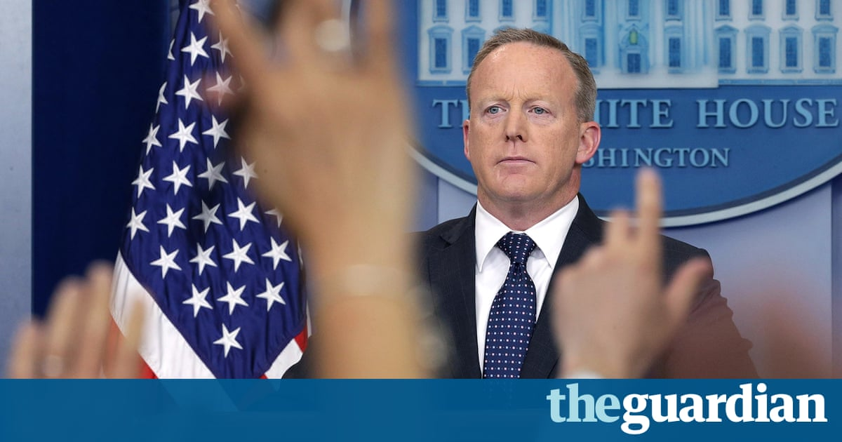 more photos 02df4 3e031 Sean Spicer said to be seeking a new role away from press briefings  (10.47 42)