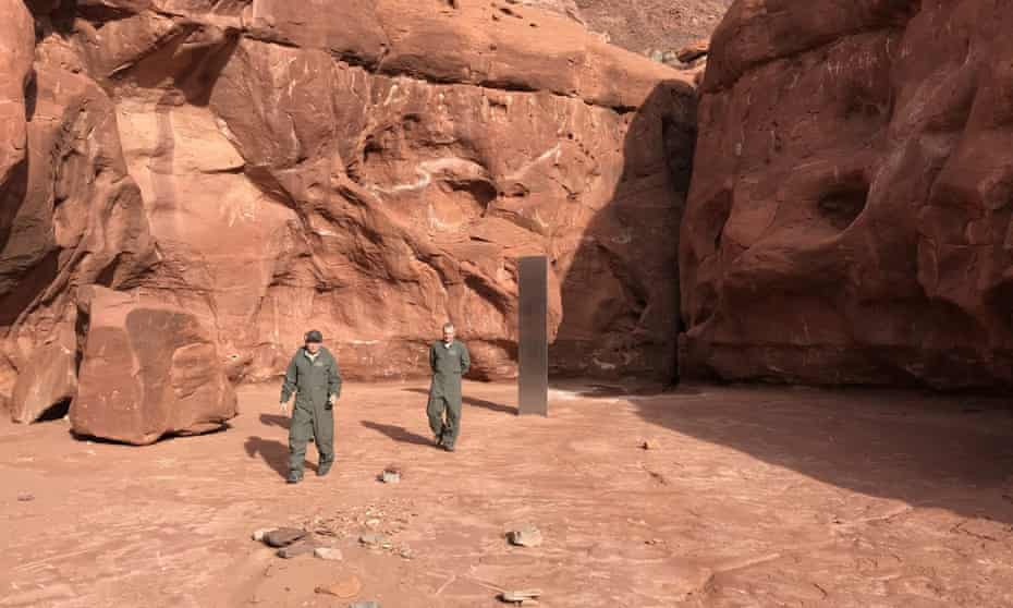 US officials said that the metal monolith, that was first spotted on 18 November, has been removed.
