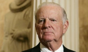 James Baker, former US secretary of state, has revealed in his biography that he will continue to support Donald Trump.