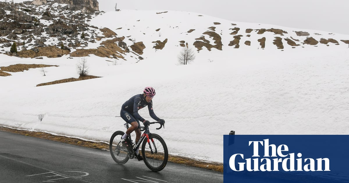 Giro d'Italia: Egan Bernal produces 'something special' to win stage 16