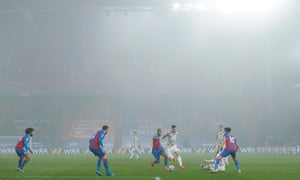 Crystal Palace v Manchester United, Premier League<br>3.3.21 Crystal Palace v Manchester United, Premier League. Picture By Tom Jenkins / NMC Pool Marcus Rashford of Manchester United and Jordan Ayew of Crystal Palace in the mist