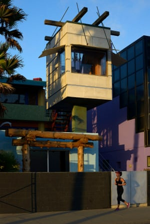 The Norton House in Venice California designed by Frank Gehry