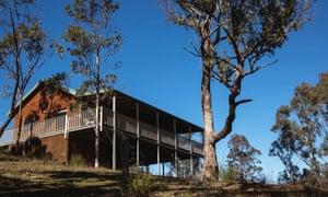A hilltop cabin at Turon Gates