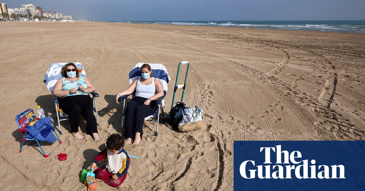 Outdoor mask decree met with dismay by Spain's tourism industry