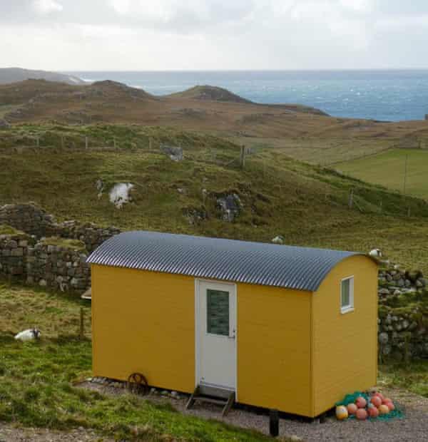 A shepherd's hut at Mangersta Croft