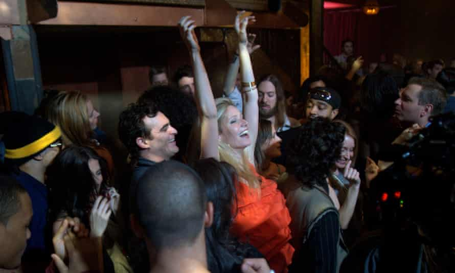 Joaquin Phoenix and Gwyneth Paltrow in james Gray's Two Lovers